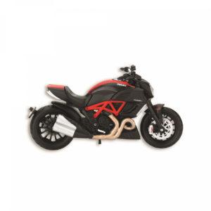 987675305_Ducati_moto_Diavel_Carbon_1-18
